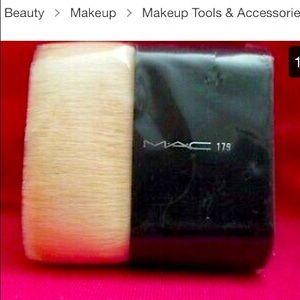 Mac body brush #179